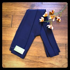 NWT Lilly Pulitzer Pants in Navy. Size XS.